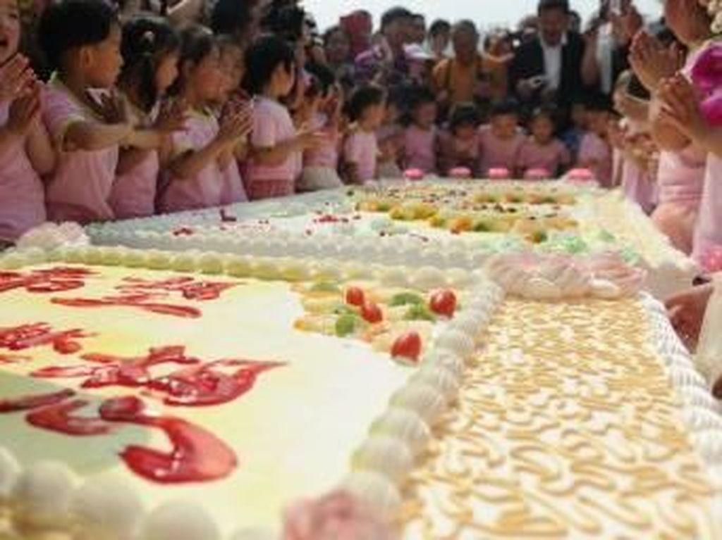 Berukuran Jumbo, Ini 5 Rekor Kue Natal yang Menarik Perhatain Dunia
