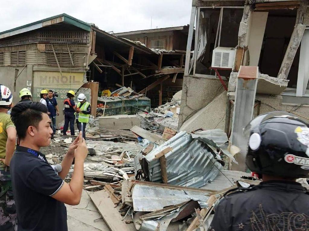 3 Orang Termasuk Bocah 6 Tahun Tewas Akibat Gempa M 6,8 di Filipina