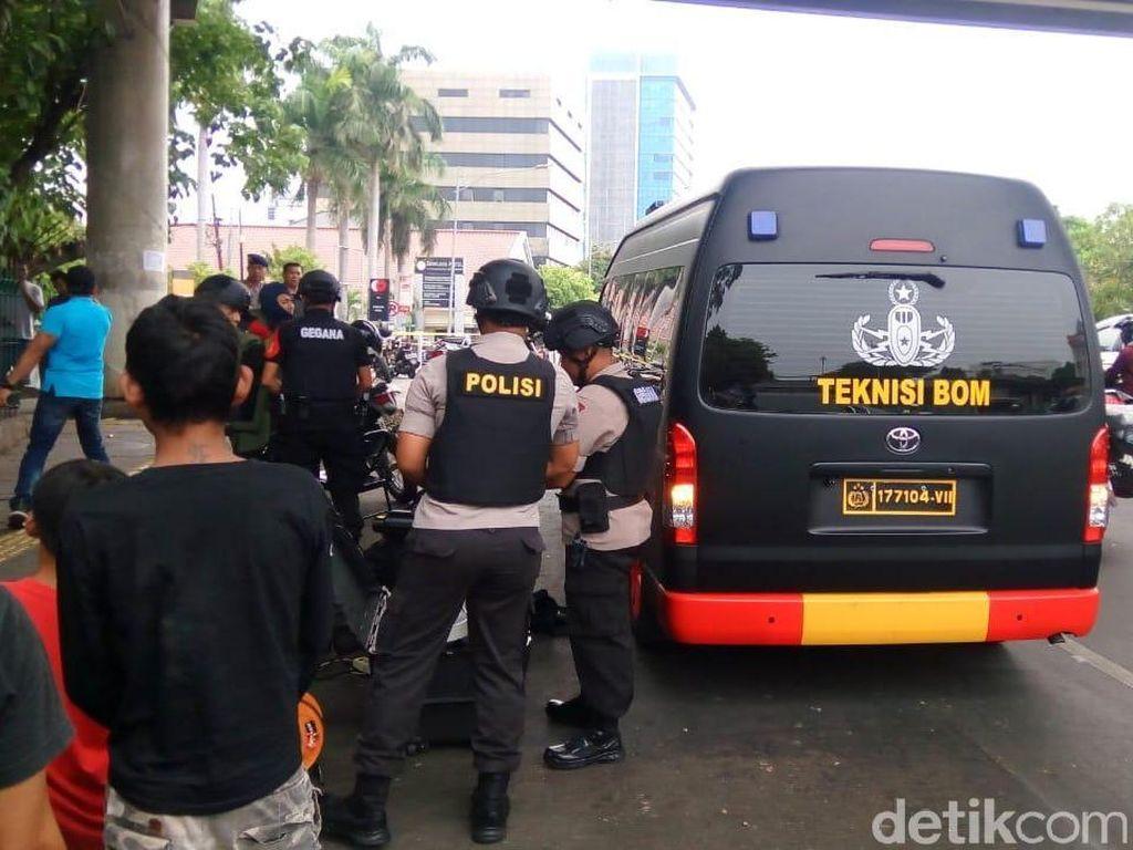 Pengurus Istiqlal Dengar Ledakan, Polisi Pastikan Cuma Cek Tas Mencurigakan