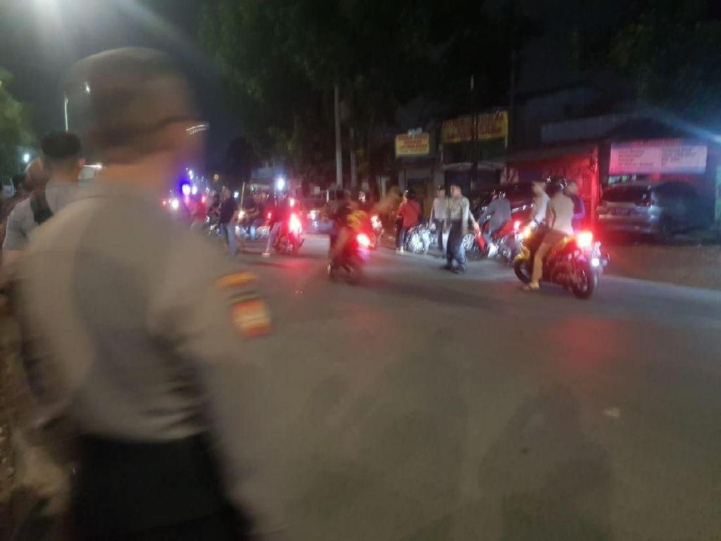 Polisi Bubarkan Dua Kelompok Ormas Hendak Bentrok di Lenteng Agung