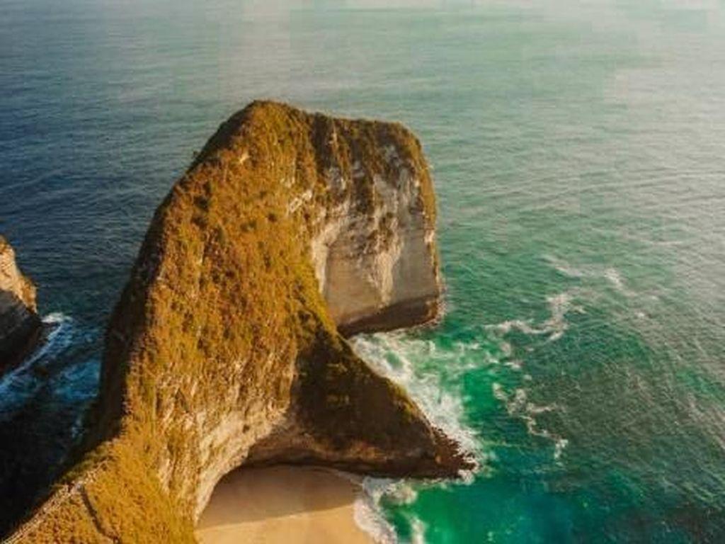 Awal Februari, Turis China di Nusa Penida Anjlok 100 Persen