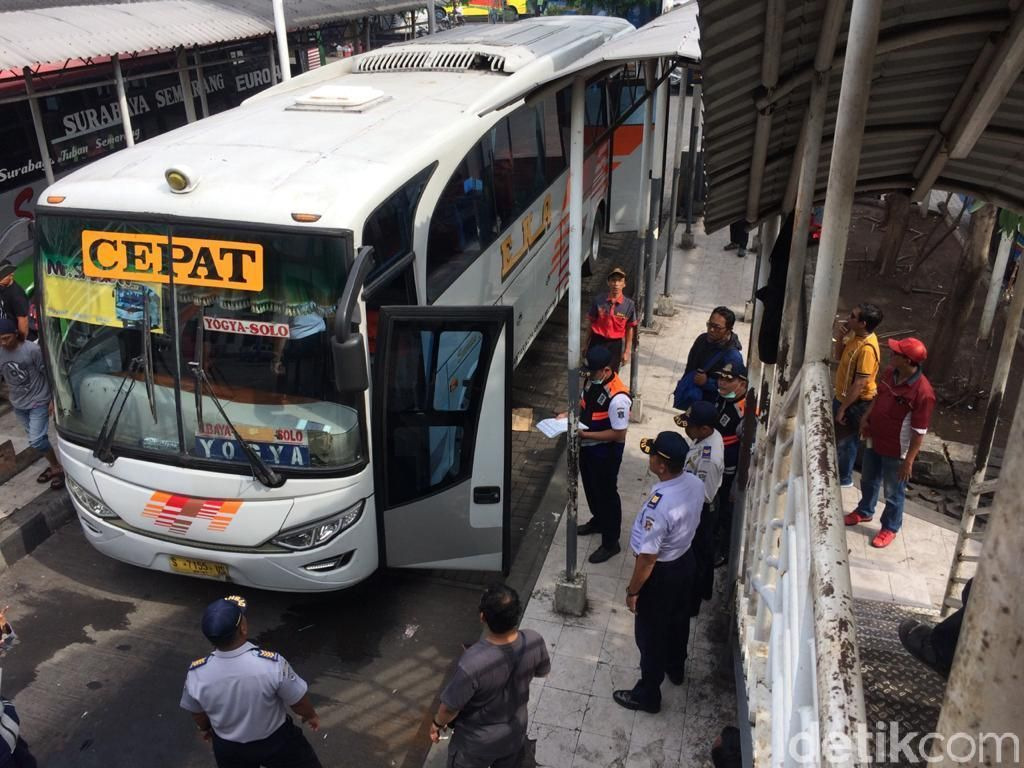 Jelang Nataru, 6 Bus Tak Layak Jalan Dikeluarkan dari Terminal Purabaya