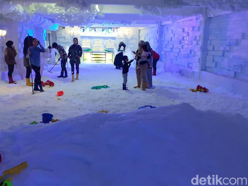 Potret Taman Salju Baru di Malang