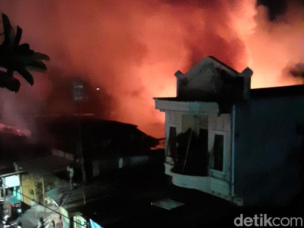 Kawasan Pasar Cidu Makassar Terbakar