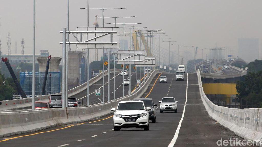 Potret Jalan Tol Layang Japek yang Disebut Bikin Mual dan Pusing