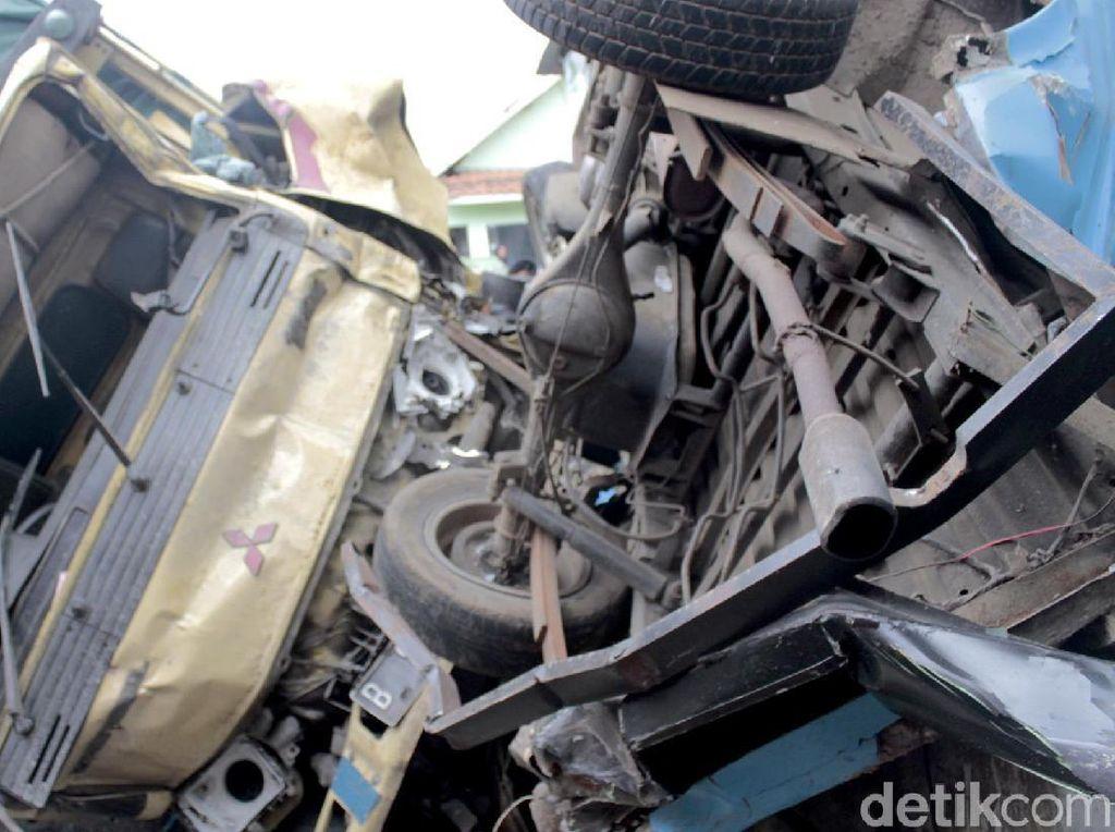 5 Kendaraan Terlibat Kecelakaan Beruntun di Bandung Barat
