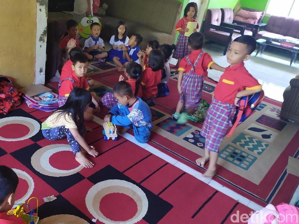 Bangunan Dieksekusi, Siswa PAUD Cianjur Belajar di Rumah Guru