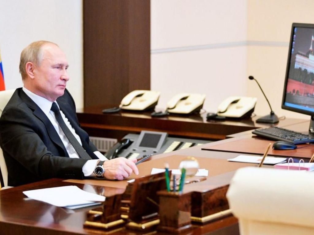 Agar Terlindung dari Corona, Putin Bikin Terowongan Disinfektan