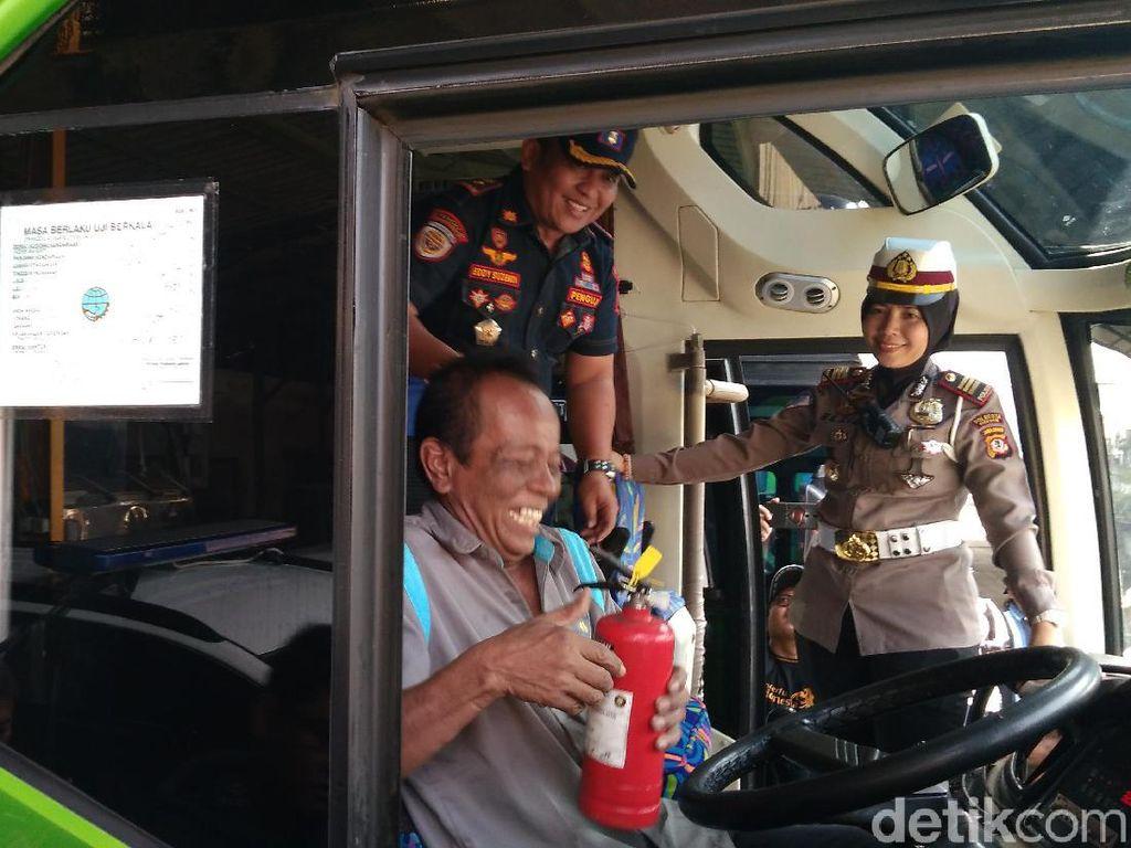 Dishub: Hanya 40 Persen Bus-Travel di Cirebon yang Melengkapi APAR