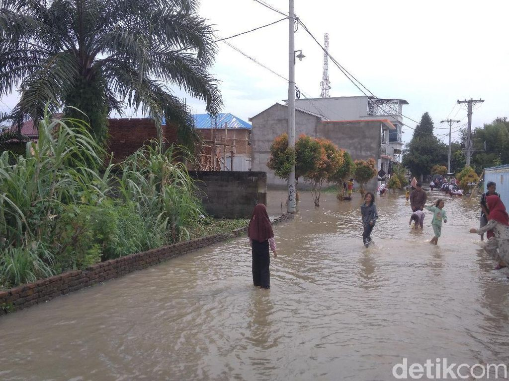 Banjir di Medan Krio Sunggal Surut, Akitivitas Warga Kembali Normal
