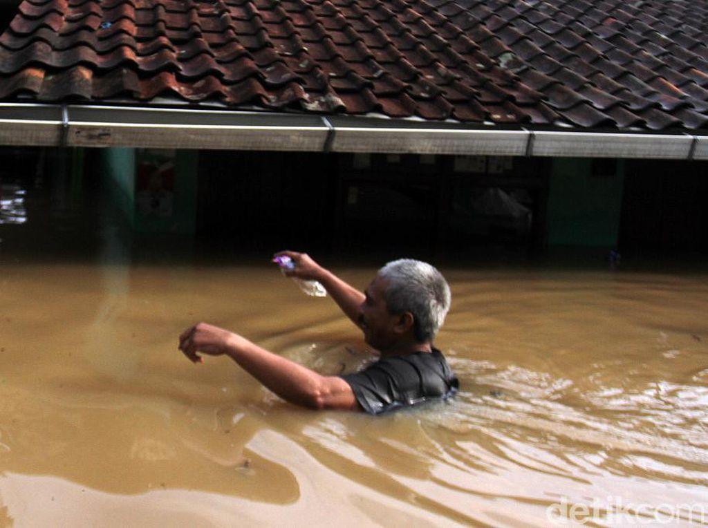 Berita Hari Ini di Jabar: Banjir Dayeuhkolot hingga Truk Tewaskan 3 Orang