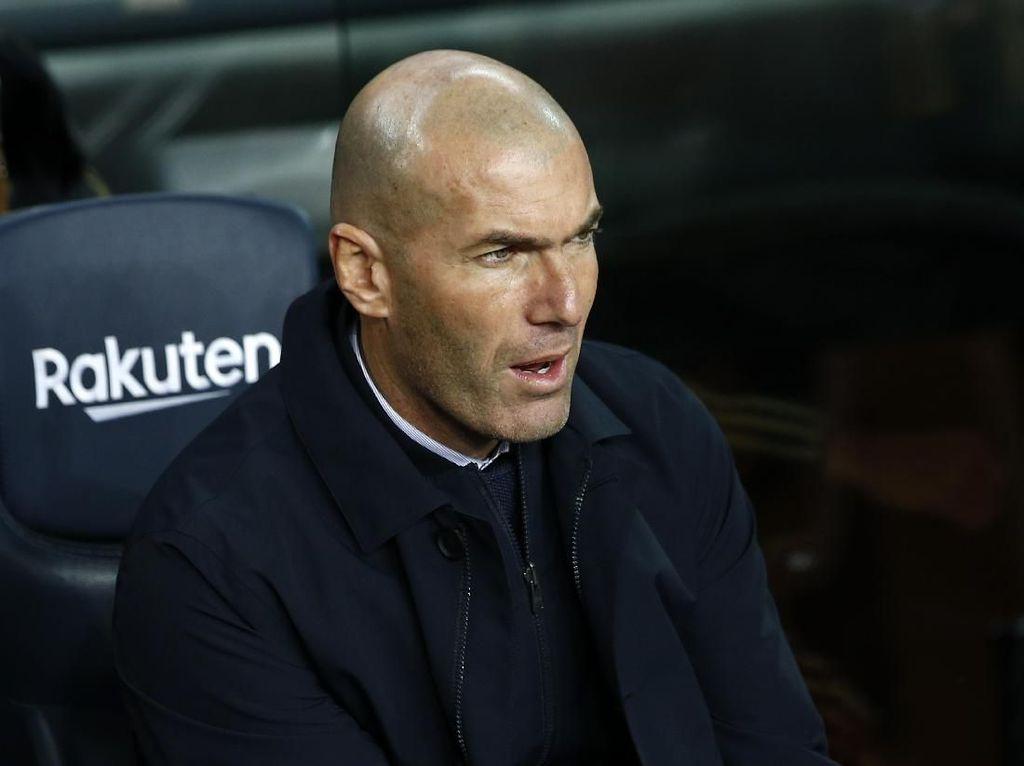 Zinedine Zidane, Pawangnya Barcelona di Camp Nou