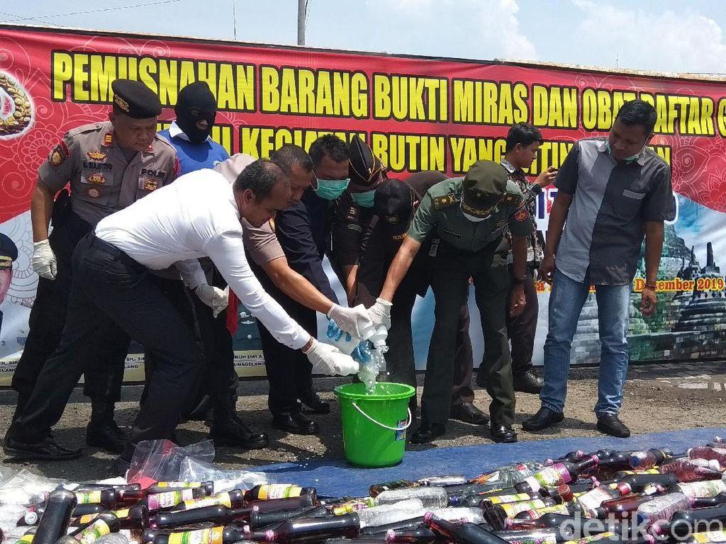 11.361 Pil Yarindo hingga Ribuan Botol Miras di Magelang Dimusnahkan