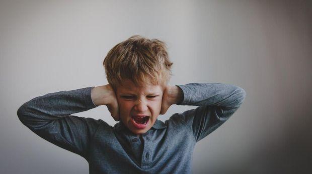 Ada saja tingkah anak yang bikin orang tua marah dan kesal.