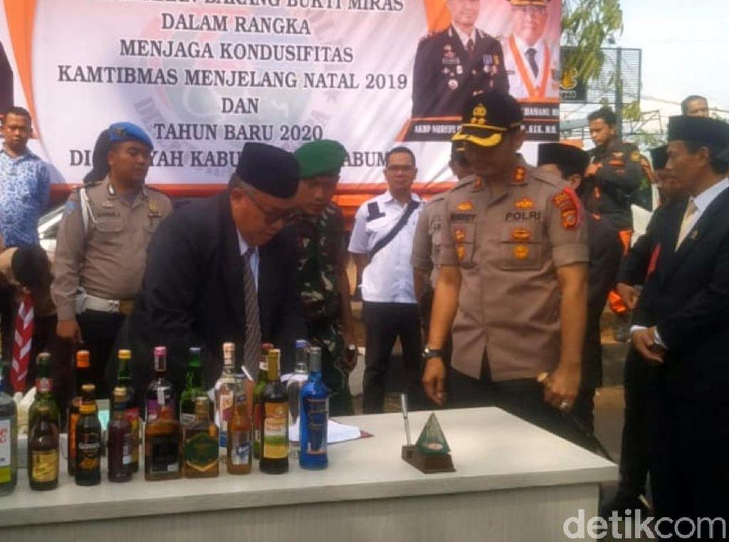Polisi Sukabumi Ajak Warga dan Wisatawan Rayakan Tahun Baru Tanpa Miras