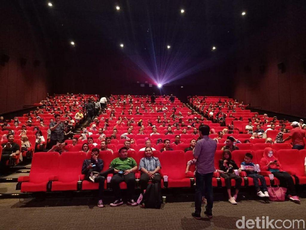 Dihadiri Cak-Ning dan Pengusaha Muda, PDIP Nobar Film Naga Bonar Reborn
