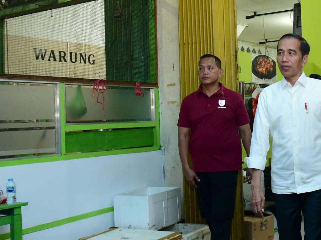Serunya Presiden Jokowi Makan Seafood dengan Sambal Enak Buatan Gubernur Kaltara