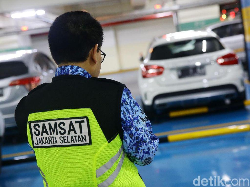 Enggak Pakai Antre! Bayar Pajak Kendaraan Bisa Online, Begini Caranya