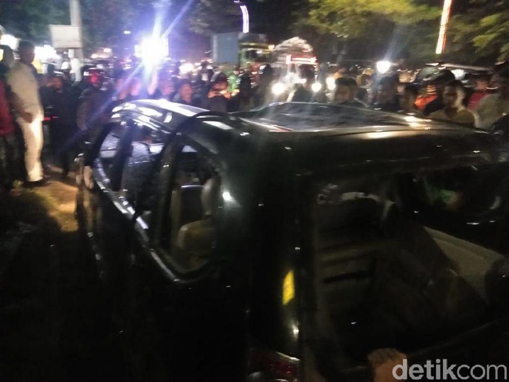 Polisi Tangkap Sopir Mobil Tabrak Lari yang Dihancurkan Massa di Makassar