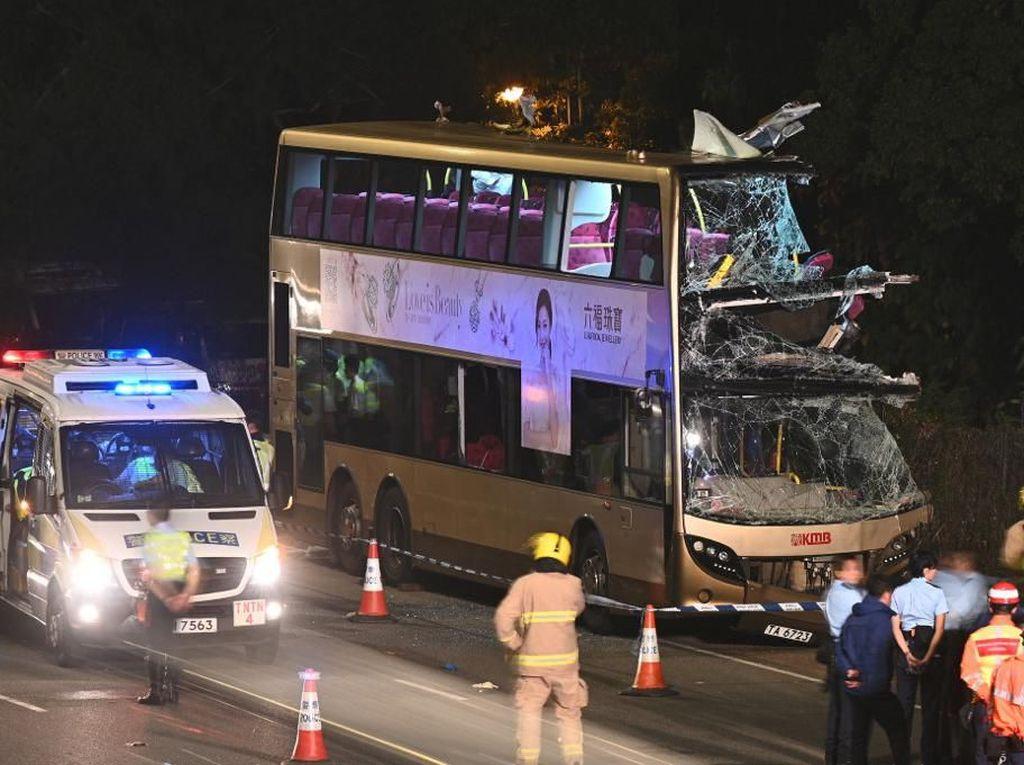 Bus Tingkat Tabrak Pohon di Hong Kong, 6 Orang Tewas
