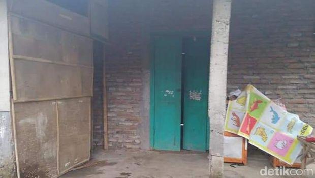 Heboh Rumah Berlantai 2 Berstiker Miskin di Klaten