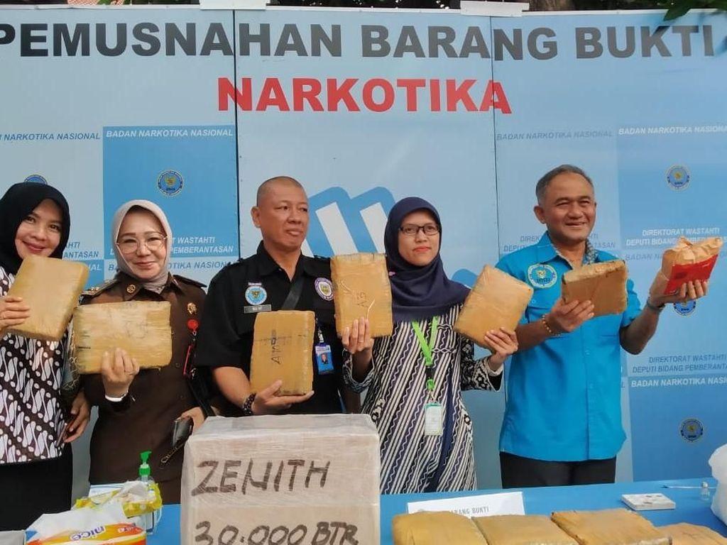 BNN Musnahkan 1,6 Juta Butir PCC, 6 Tersangka Ditangkap