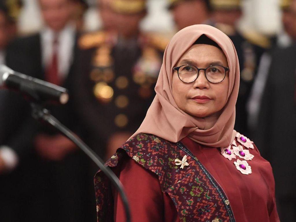 Foto: Gaya Wakil Pimpinan KPK Lili Pintauli Siregar yang Kini Berhijab