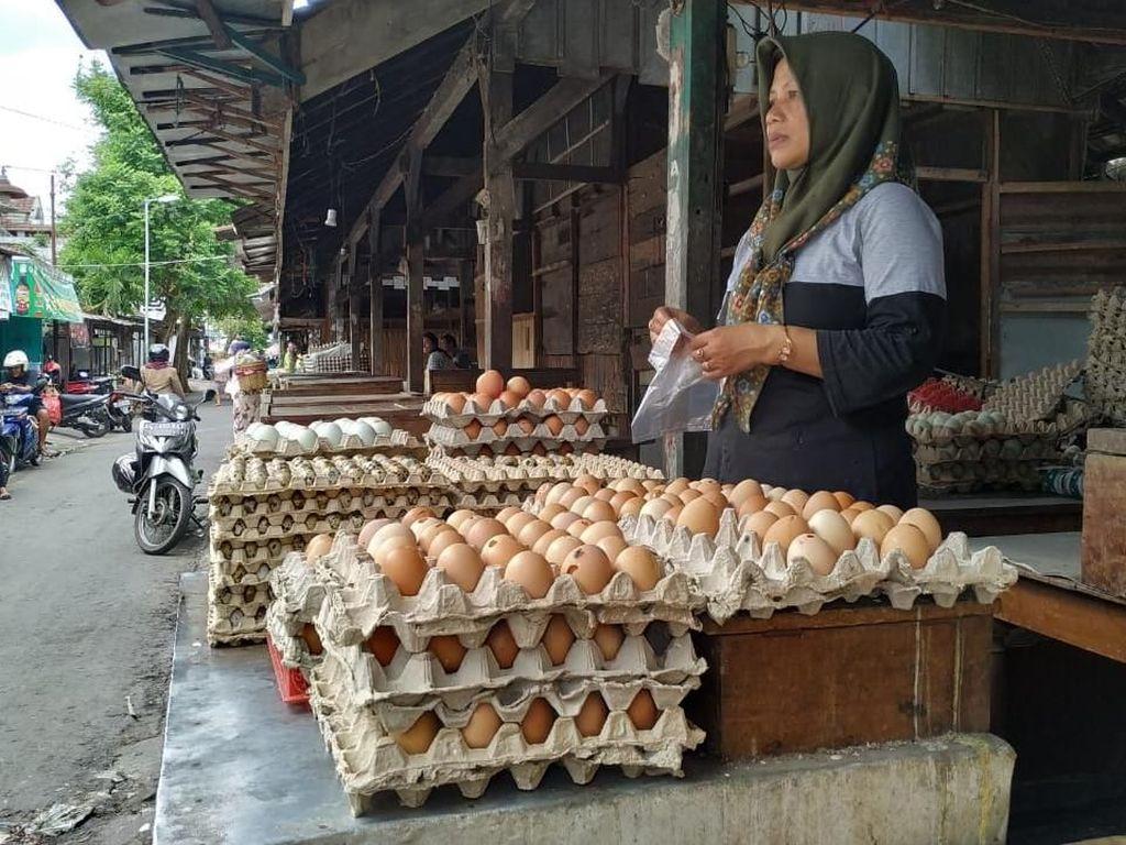 Imbas Musim Hujan, Harga Telur dan Cabai di Bandung Merangkak Naik