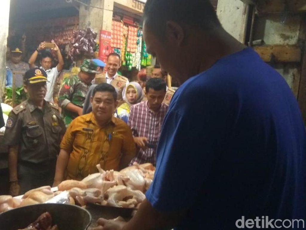 Sidak Pasar, Satgas Pangan Tasikmalaya Temukan Bumbu Kedaluwarsa