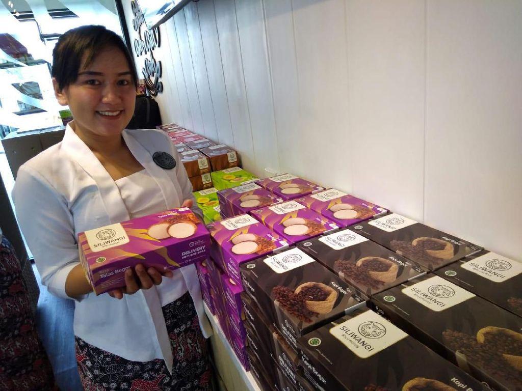Buka 3 Store Baru di Bogor, Siliwangi Bolu Kukus Beri Promo Spesial