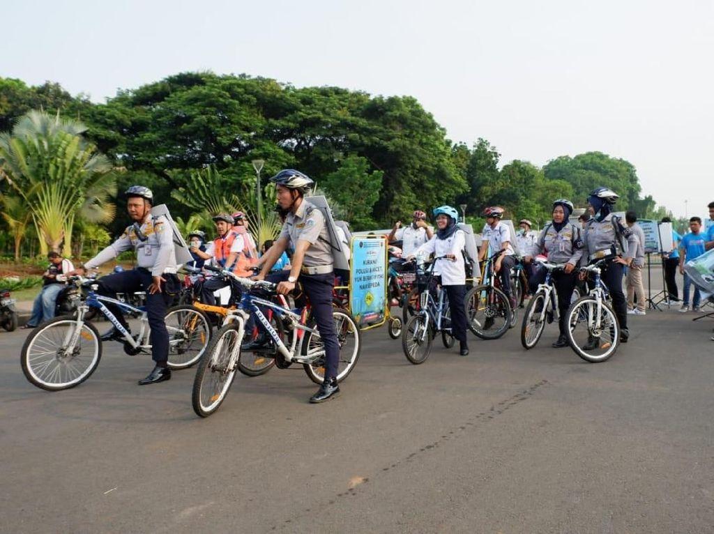 Sambil Sepedaan, Kemenhub Sosialisasikan Mudik Aman dan Selamat