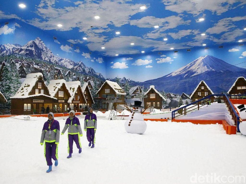Potret Wahana Main Salju Trans Snow World Bintaro