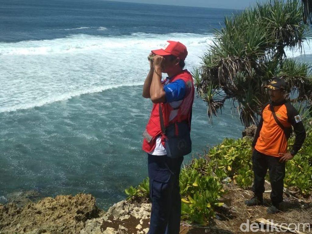 Pencarian Mahasiswa Brawijaya Hilang di Pantai Watu Leter Diperluas