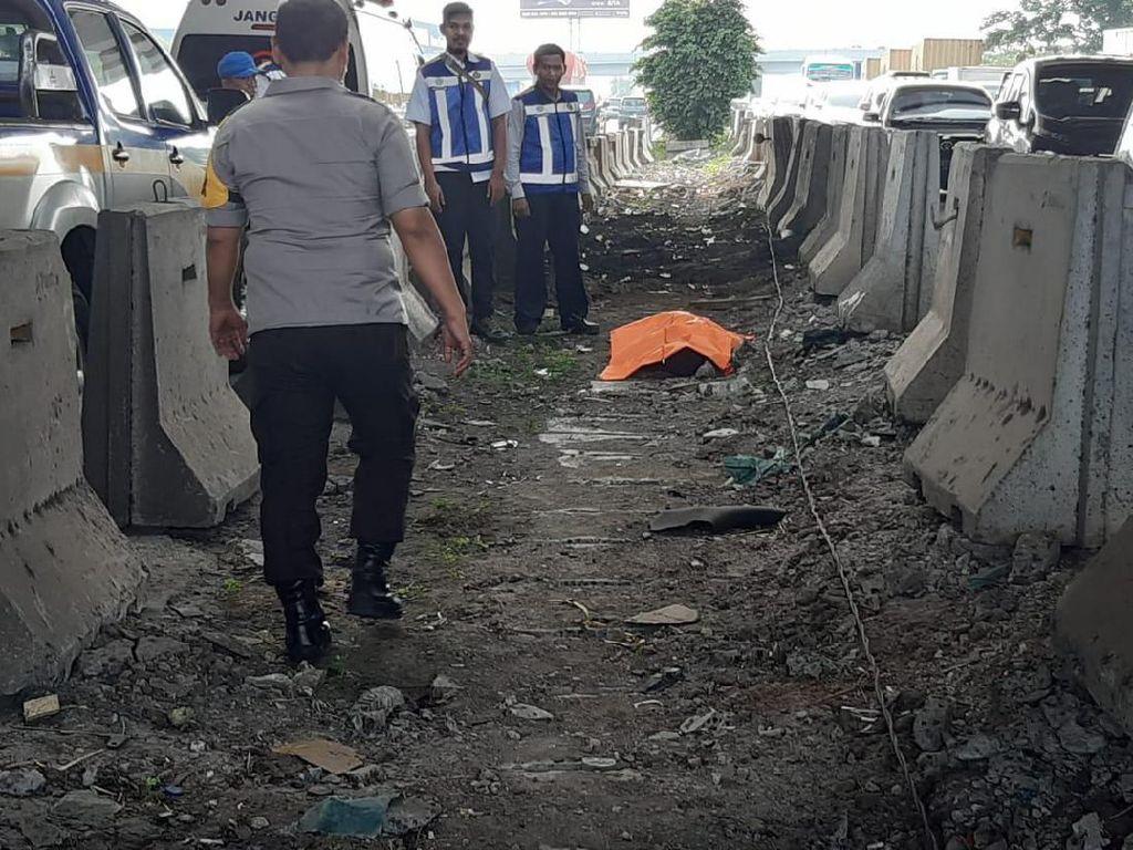 Sesosok Mayat Pria Ditemukan di Pinggir Tol Tangerang
