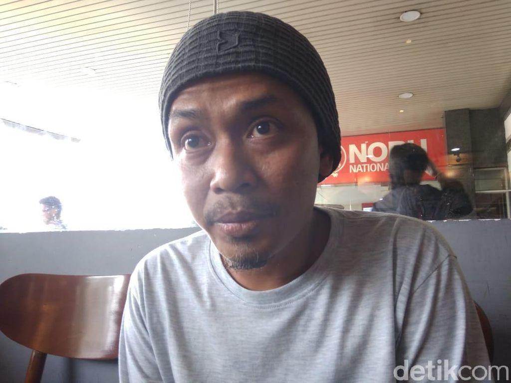 Staf Cerita Detik-detik Adian Kolaps di Pesawat, Terus Ditampar agar Sadar
