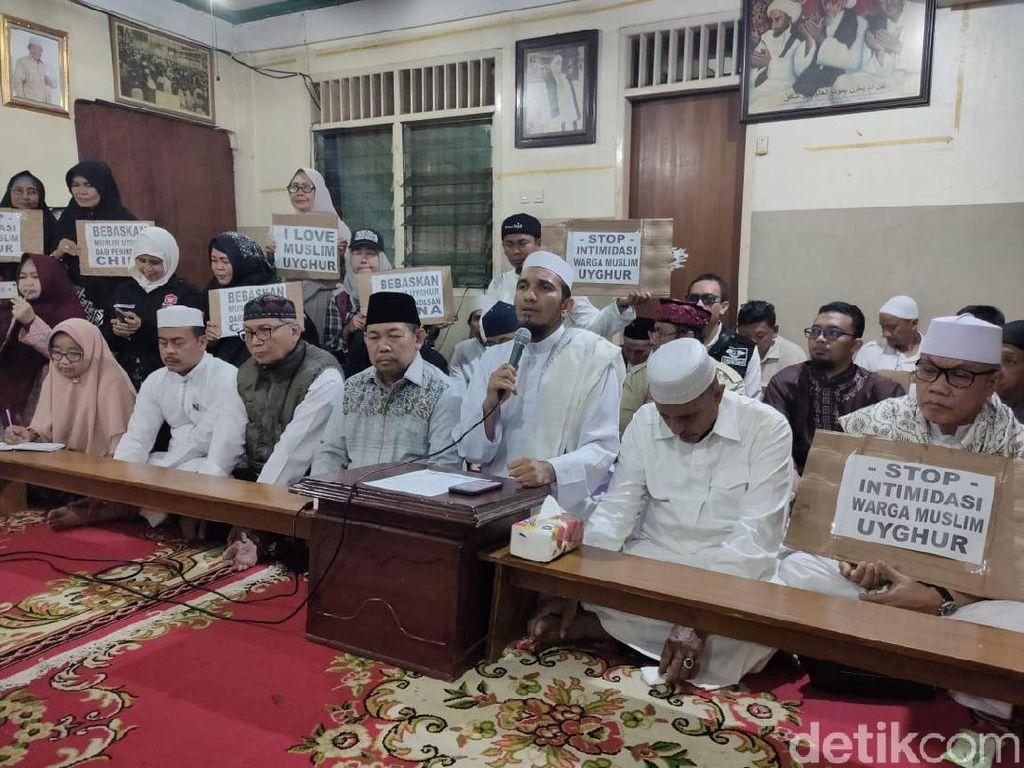 FPI Akan Aksi Bela Muslim Uighur di Kedubes China Jumat Depan