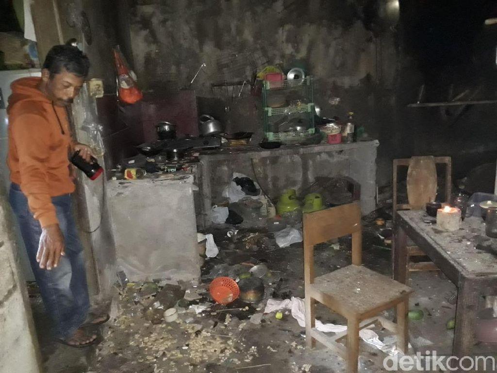 Cerita Warga Sleman yang Melihat Langsung Petir Menyambar Rumahnya