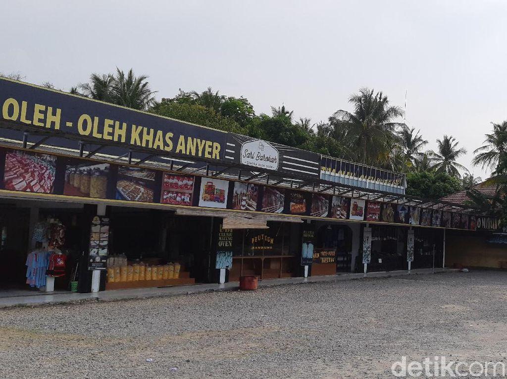 Pedagang Ngeluh Omzet Anjlok Pasca Setahun Tsunami Banten