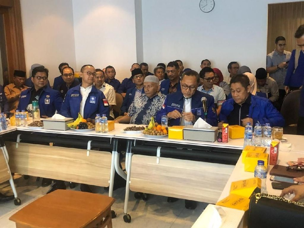 Rapat soal Kongres PAN Disebut Ricuh, Eks Ketua: Zulhas Kabur Bawa Palu