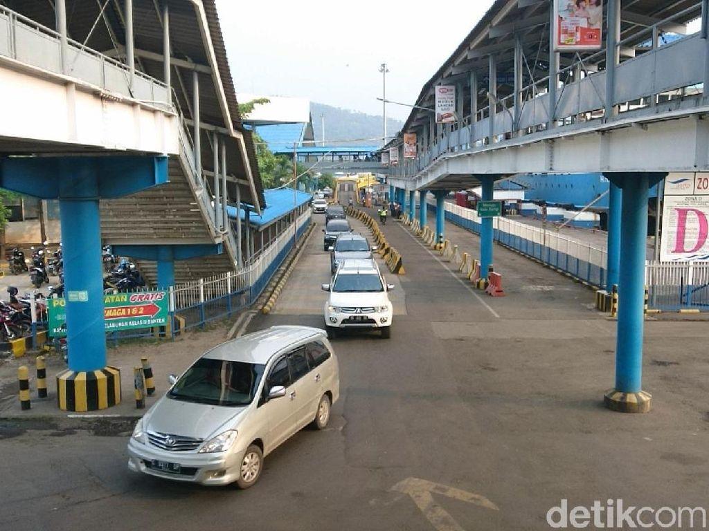 H-4 Natal di Merak: 55 Ribu Penumpang Nyeberang ke Sumatera, Naik 54,5%