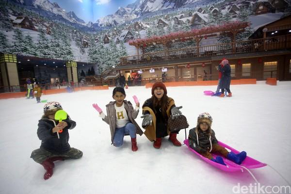 Bertofo di Trans Snow World Bintaro