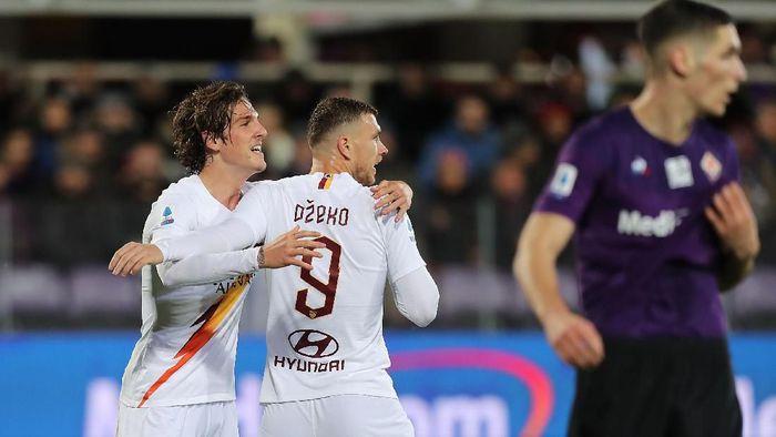 AS Roma menang 4-1 di markas Fiorentina dalam lanjutan Liga Italia (Foto: Gabriele Maltinti/Getty Images)