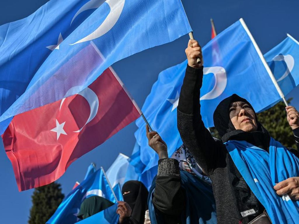 1.000 Demonstran di Turki Memprotes Perlakuan China terhadap Uighur