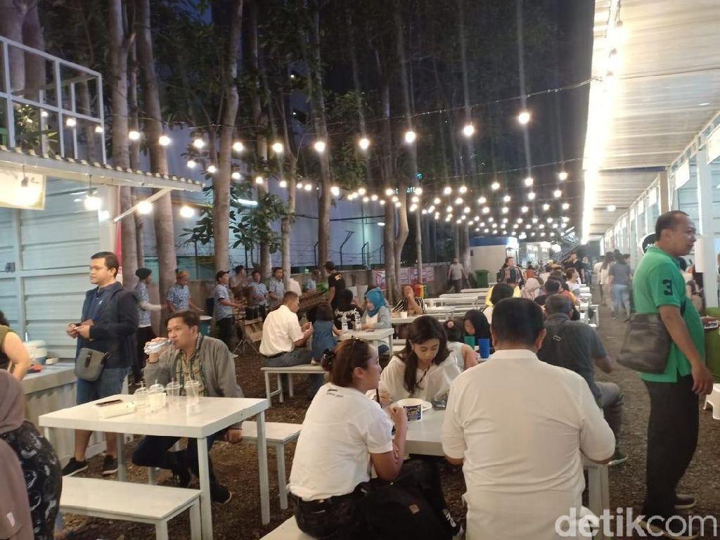 Anies Resmikan Lahan Pakir Thamrin 10 yang Diubah Jadi Pusat Kuliner