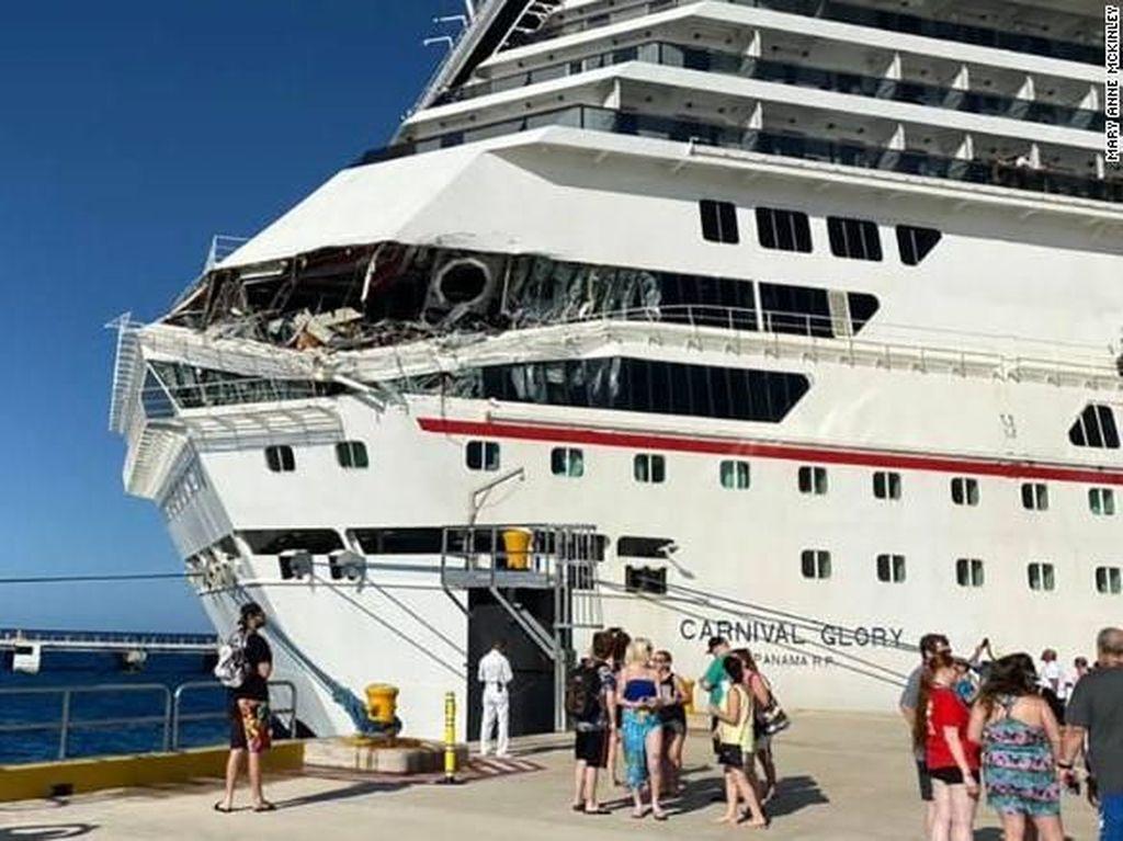 2 Kapal Pesiar Tabrakan di Pantai Meksiko, 6 Orang Luka
