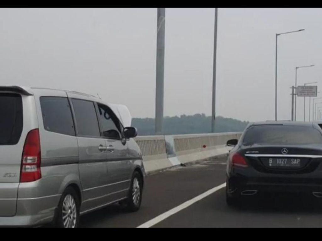 Mogok di Tol Layang Japek, Sebaiknya Jangan Keluar dari Mobil