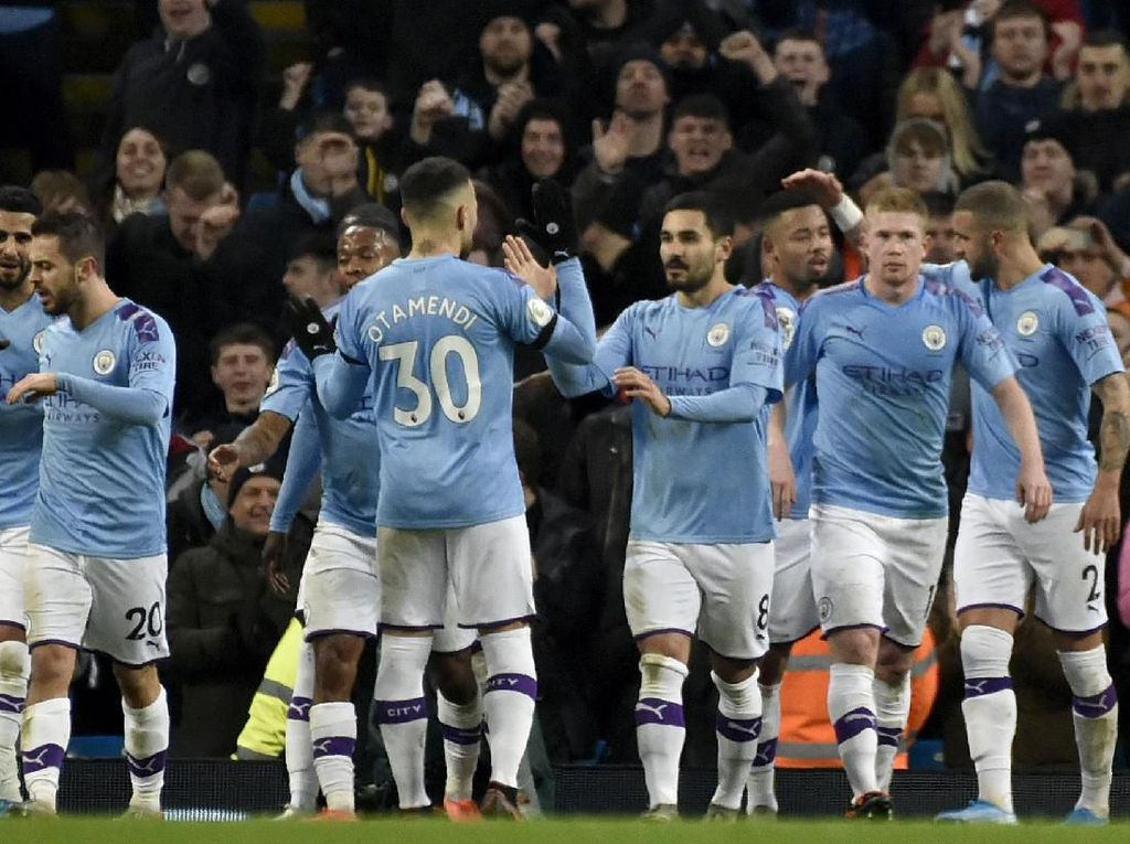 Menang, Manchester City Kuntit Leicester