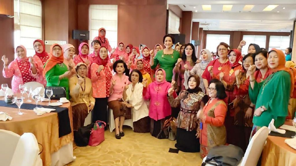 Momen Sertijab Kongres Wanita Indonesia