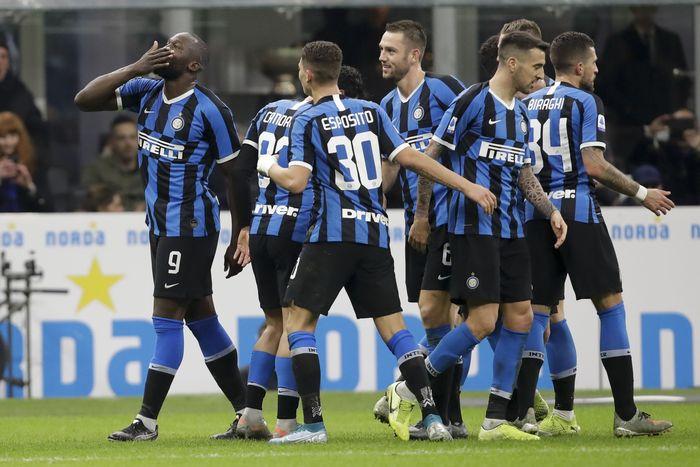 Berlaga di Guiseppe Meazza pada pekan ke-17 Liga Italia, Minggu (22/12/2019) dini hari WIB, Inter yang mengincar kemenangan demi ke puncak klasemen tampil menekan sejak menit awal.
