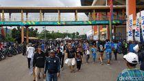 Ribuan Bobotoh Padati Si Jalak Harupat Tonton Laga Pamungkas Persib
